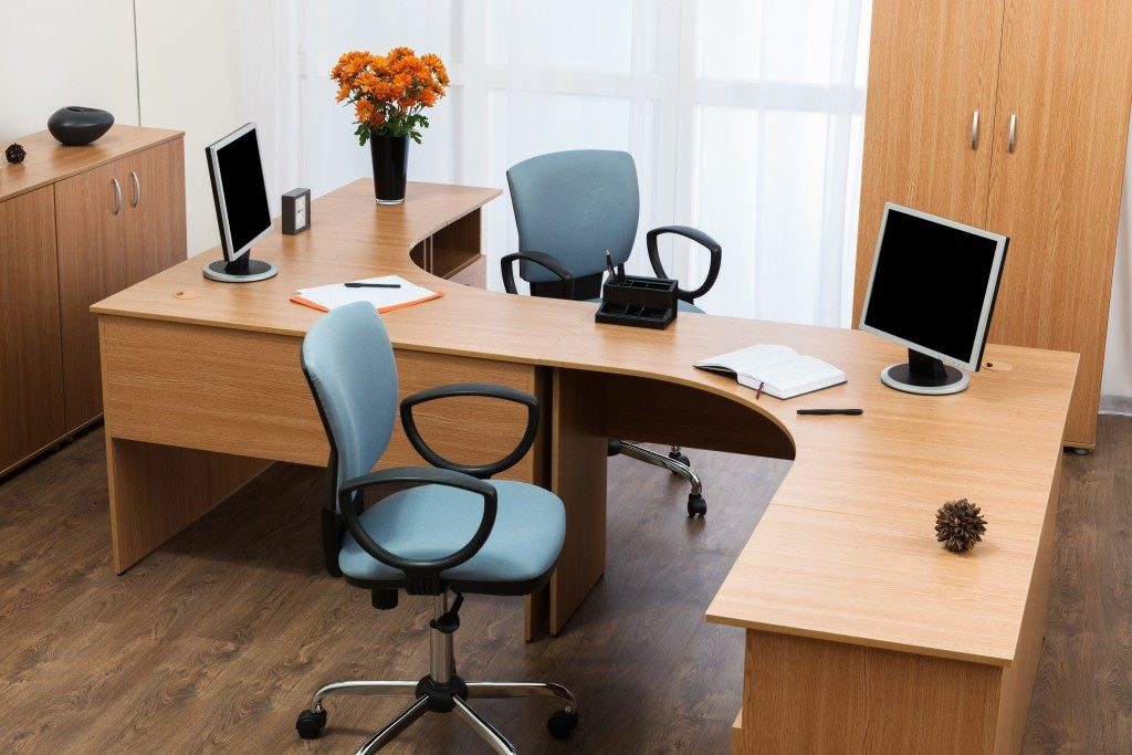Furniture Choices For Your Eco Friendly Office Student Assembly