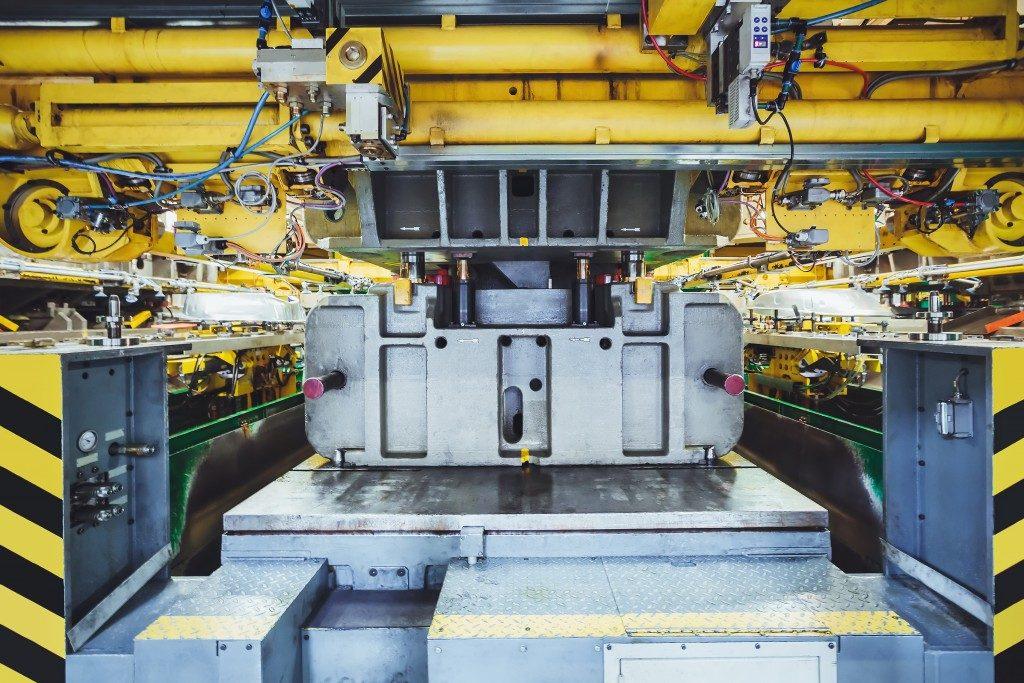hydraulic press on car manufacture