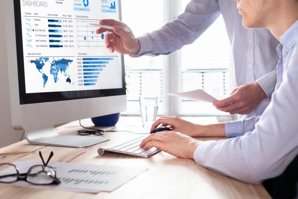 monitoring data in market